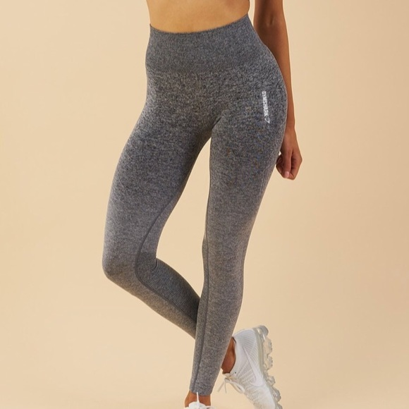 4e0039162d90e2 Gymshark Pants - In Search Of : Gymshark Ombre Seamless Grey Black